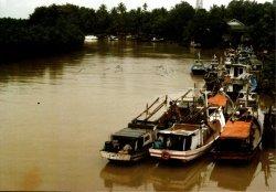 Pelabuhan alam binuangen